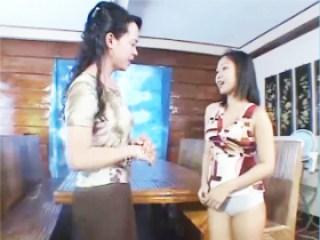 สาวไทย ชวนแม่ม้ายมาถ่ายหนังโป๊