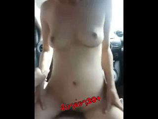 เย็ดกันในรถ