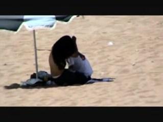 กระแทกกันกลางชายหาด